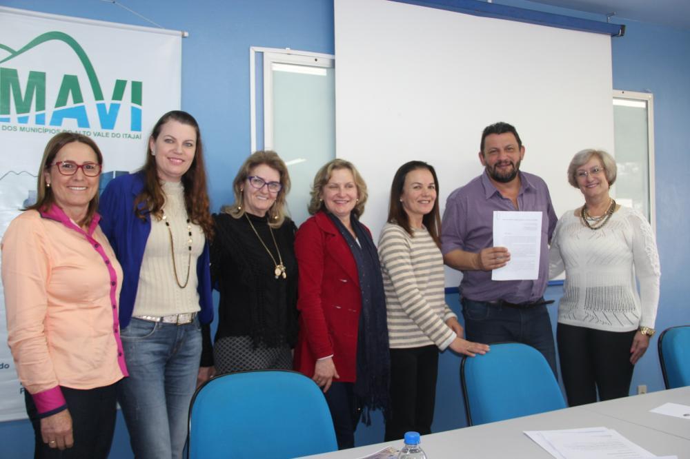 UCAVI - FOMPAVI pede criação dos Conselhos Municipais dos Direitos das Mulheres
