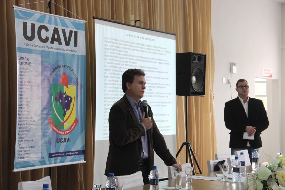 Promotor de Justiça de Jaraguá do Sul ministra palestra para vereadores